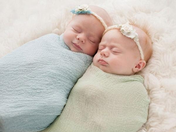 Khăn quấn cho bé sơ sinh loại nào tốt