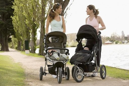 Mẹ nhàn hơn khi có xe đẩy gấp gọn