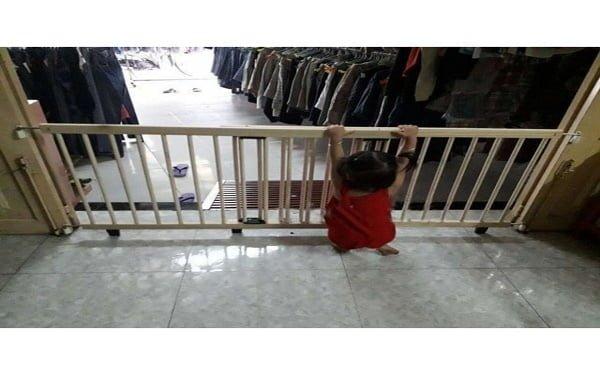 Rào chắn sắt an toàn cho bé